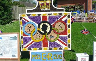Clowne Well Dressing