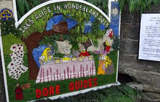 Dore Well Dressing