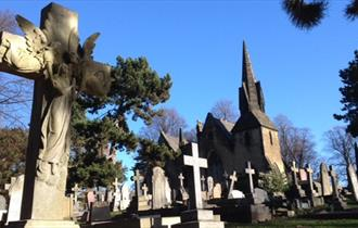 Walk around Spital Cemetery